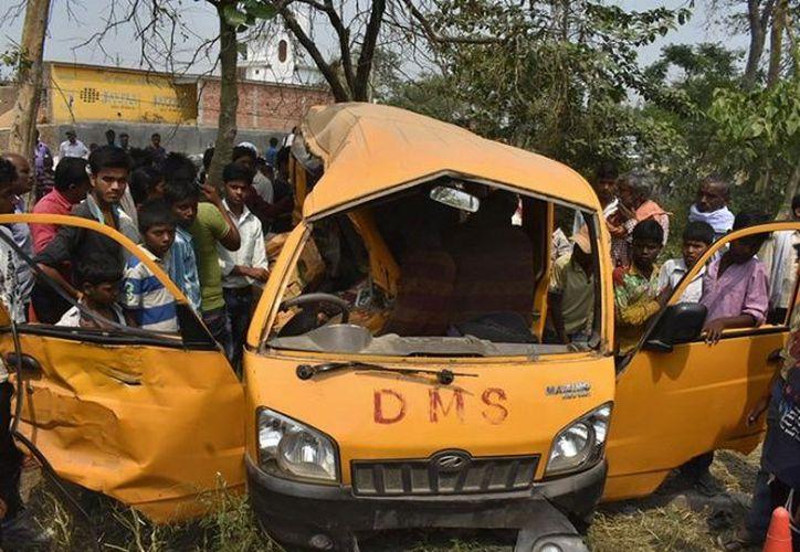 El conductor ignoró el alto e impactó contra el tren. (Foto: Reuters).