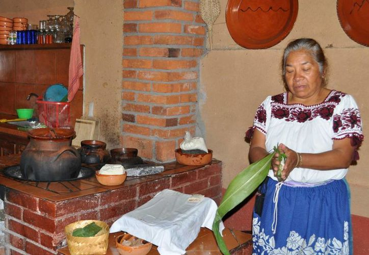 Lucía Martínez es un ejemplo para todas las mujeres indígenas que desean superarse.  (Notimex/contexto)