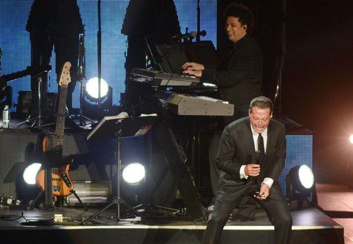 El cantante Luis Miguel ofrecerá este domingo 12 de abril un concierto 'gratuito' en la Macroplaza de Veracruz. La imagen es de archivo. (NTX)