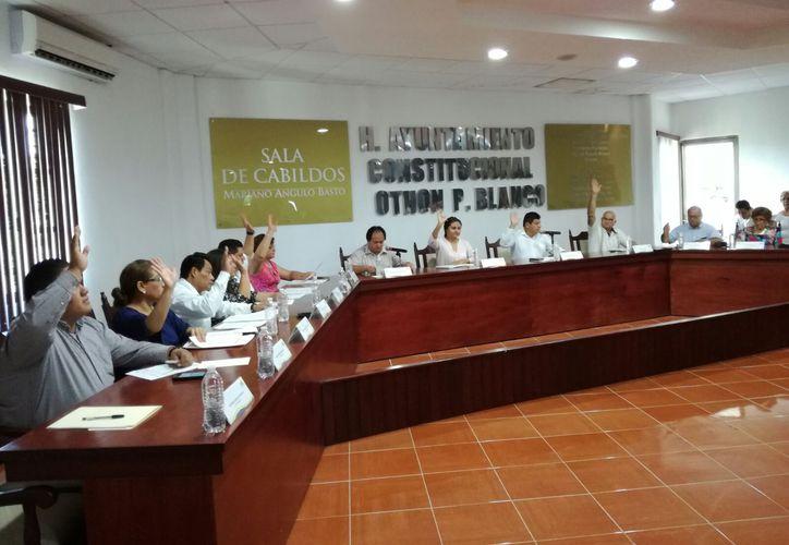 Esta fue la primera iniciativa de actualización y homologación de reglamento que un regidor presentó ante la secretaría general del Ayuntamiento de Othón P. Blanco. (Foto: Ángel Castilla / SIPSE)