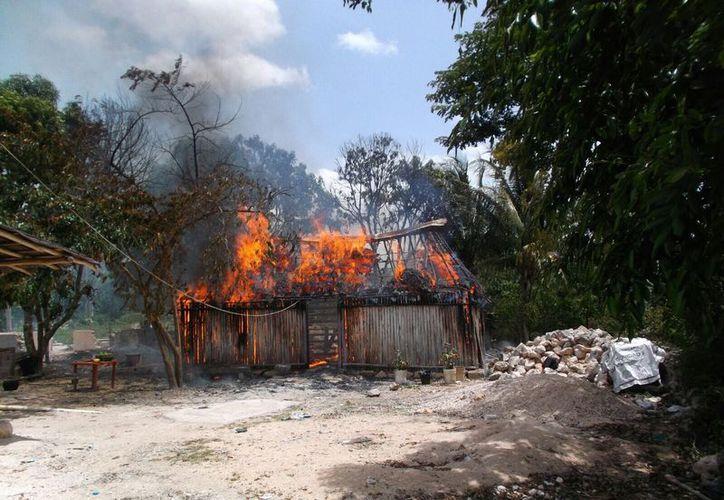 La pérdida estimada de la vivienda asciende a 14 mil pesos. (Foto: Redacción/SIPSE)