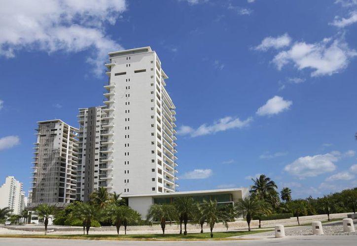 Se construirá en los primeros tres lotes del desarrollo inmobiliario. (Israel Leal/SIPSE)