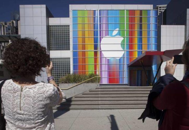 En los últimos años Apple ha sido salpicada por una serie de escándalos en China. (EFE/Archivo)