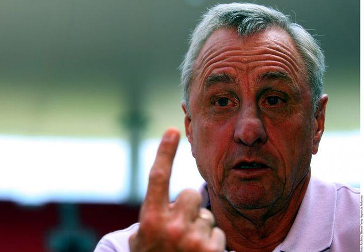 Johan Cruyff no seguirá más como asesor del Rebaño por no alcanzar los objetivos establecidos, informó Chivas. (Agencia Reforma)