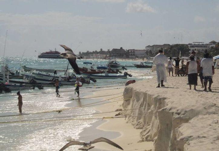 La Semarnat aún no tiene noticias sobre el proyecto de recuperación de playas de la Riviera Maya. (Adrián Barreto/SIPSE)