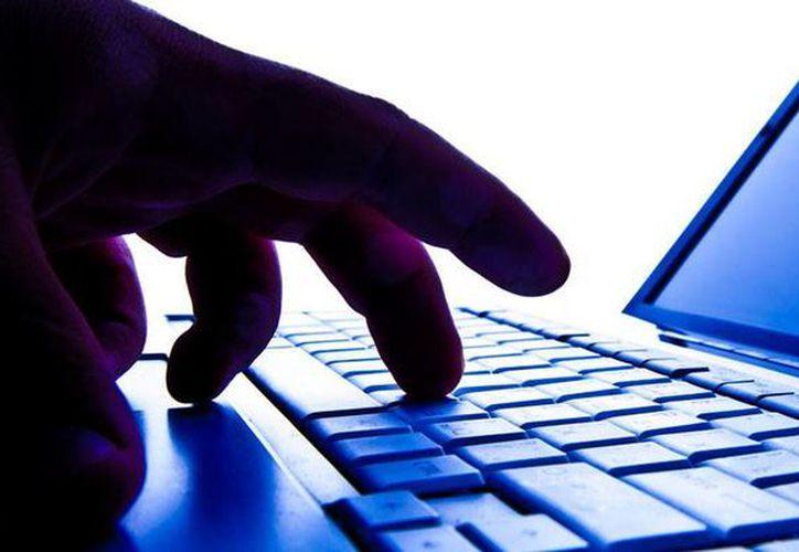 Los extorsionadores 'le entraron' a la tecnología: utilizan un 'software' que roba datos personales para luego exigir un 'rescate' que puede alcanzar los 51 mil pesos. La imagen es únicamente ilustrativa. (Milenio Novedades)