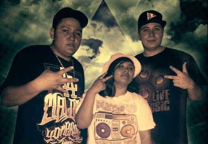 El grupo <i>NuTríoMental</i> promueve su disco <i>Realidad Común</i>, una producción independiente con la que los jóvenes yucatecos pretenden cambiar la imagen negativa del Hip Hop. (SIPSE)