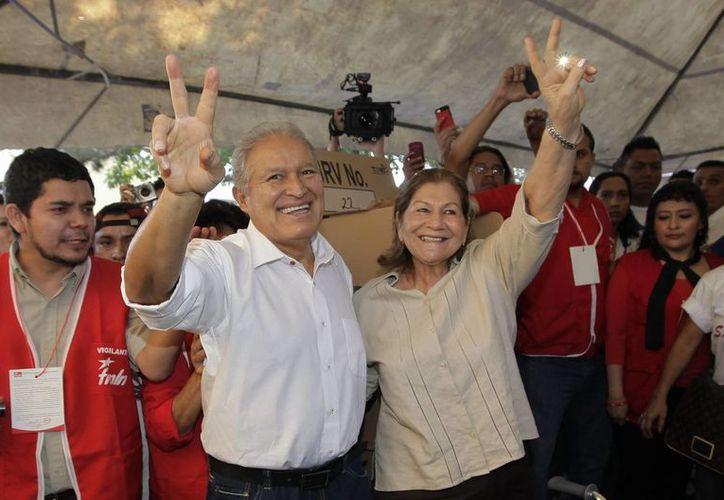 Salvador Sánchez Cerén volverá a enfrentarse a Norman Quijano en las elecciones del 9 de marzo. (EFE)