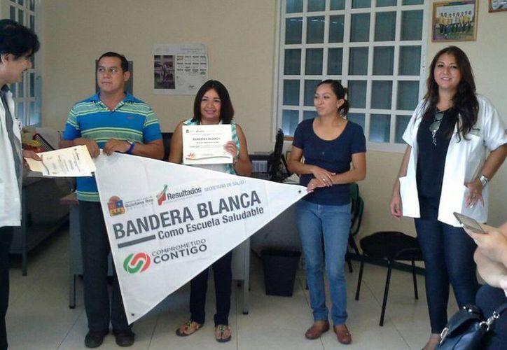El jardín de niños Leonor Esparza Villarreal del fraccionamiento Urbi Villas del Rey, de la Región 107 fue certificado. (Cortesía)