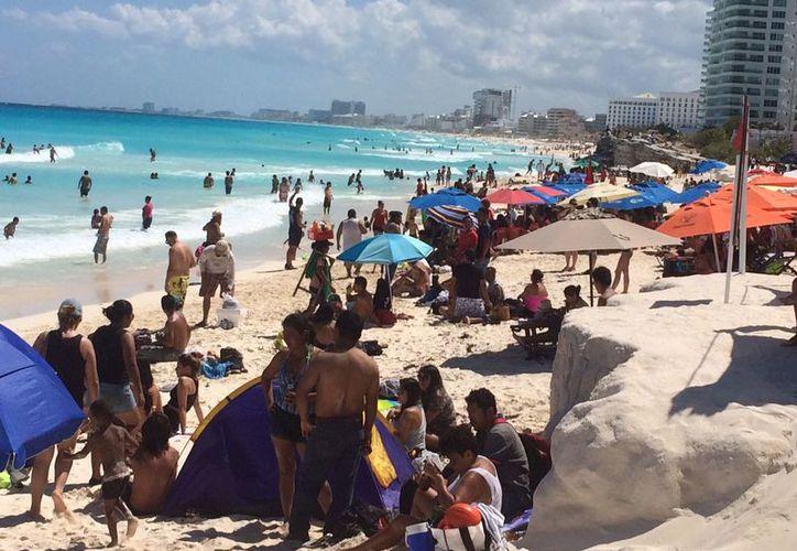 Quintana Roo está compuesto por 93 mil cuartos de hotel, restaurantes, parques, marinas, zonas arqueológicas, clubes de playa y otros. (Luis Soto).