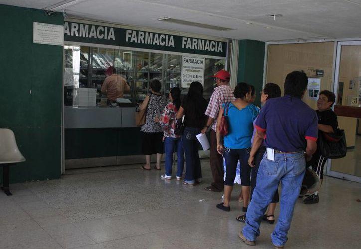 Una vez más, derechohabientes de la delegación del Instituto Mexicano del Seguro Social, reclaman la evidente falta de medicinas. (Harold Alcocer/SIPSE)