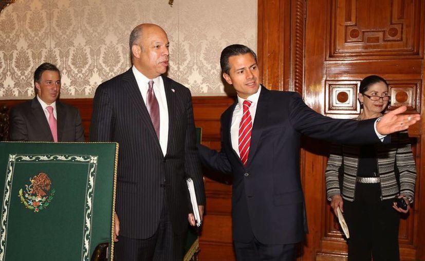 Peña Nieto y Jeh Johnson acordaron incrementar las oportunidades para los ciudadanos de México y EU. (Notimex)