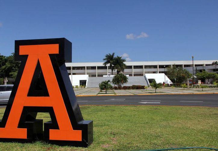 La Universidad Anáhuac Mayab organiza la XXXIII Asamblea General de la Federación Mexicana de Facultades y Escuelas de Odontología. (Milenio Novedades)