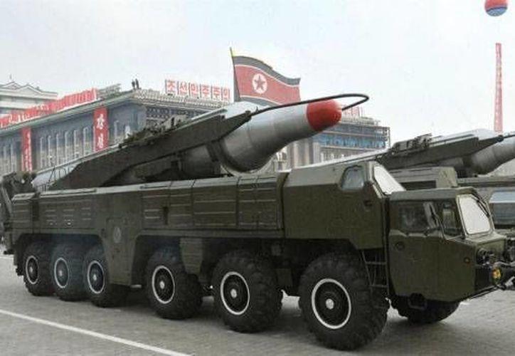 Este domingo, Corea del Norte realizó el lanzamiento de un misil balístico, el cual cayó en territorio japonés.(Archivo/AP)