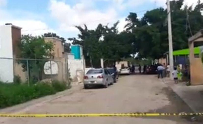 Las autoridades municipales llegaron a la zona de los hechos y acordonaron la zona. (Luis Hernández/ SIPSE)