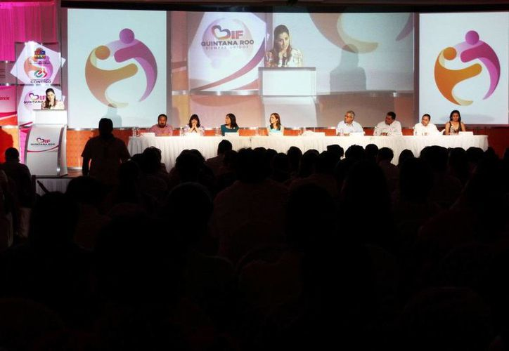 Mariana Zorrilla de Borge inauguró el encuentro. (Cortesía/SIPSE)