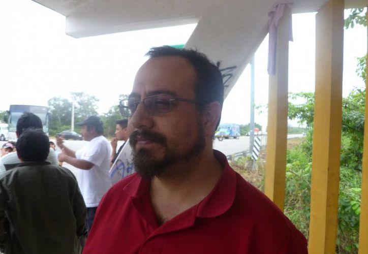 Rodolfo Macusay Cuevas presta sus servicios a los ejidatarios de la población El Cedral. (Raúl Balam/SIPSE)