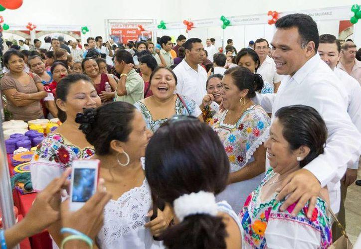 El Gobernador inauguró ayer la Expo Empleo Yucatán 2014, en Centro de Convenciones Yucatán Siglo XXI. (Cortesía)