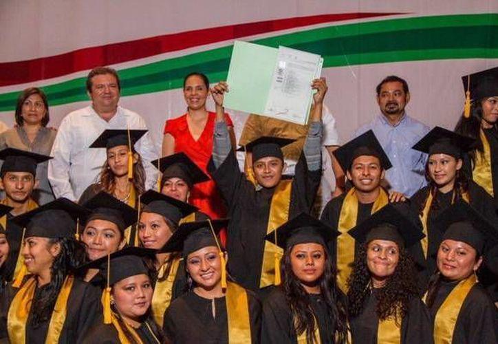 Ayer se llevaron a cabo las ceremonias de graduación. (Redacción/SIPSE)