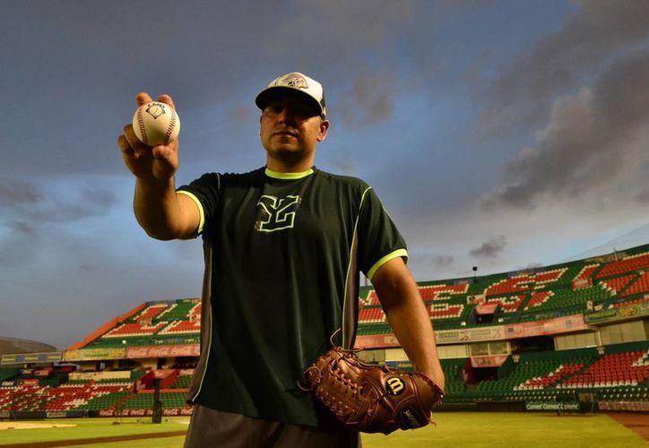 El lanzador Jonathan Castellano será el primero en lanzar ante Pericos, en el primer juego de la Final de la Zona Sur, en el  'Kukulcán Álamo'. (Milenio Novedades)