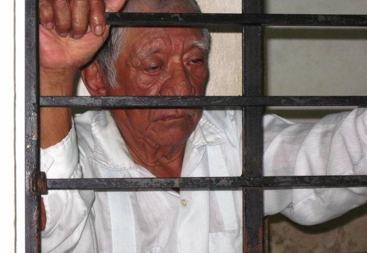 Don Teodoro afirma que no tiene dinero para pagar su fianza, ni familia que lo ayude a salir de la cárcel. (Milenio Novedades)