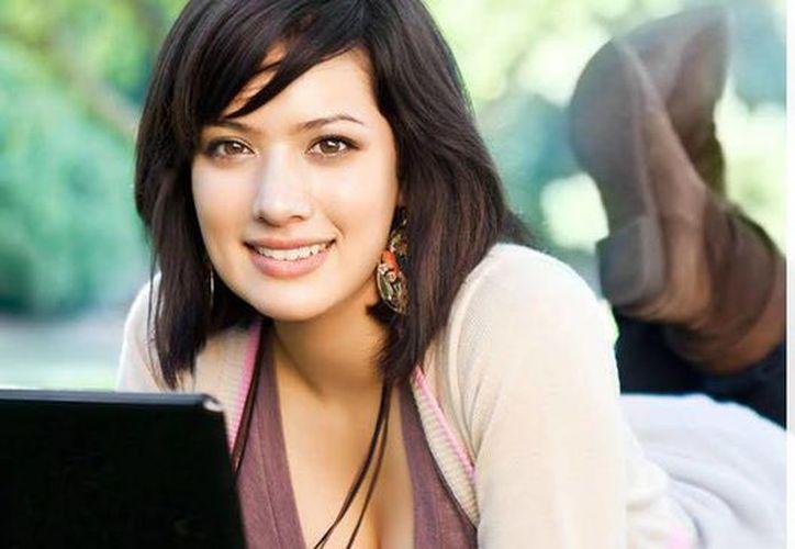 Anuncian apoyo educativo para mujeres que deseen estudiar una maestría en telecomunicaciones o sistemas. (Facebook Funed)