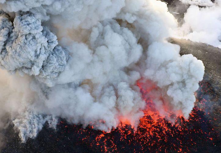 """Japón tiene 110 volcanes activos y se encuentra en el llamado """"Cinturón de Fuego"""" del Pacífico, una zona sísmica. (Sin Embargo)"""