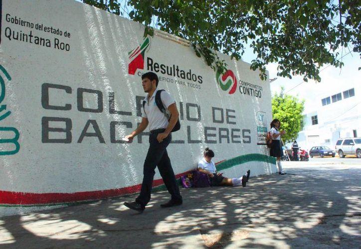 Tres estudiantes del Colegio de Bachilleres de Playa del Carmen fueron dados de baja por consumir marihuana en el plantel. (Daniel Pacheco/SIPSE)