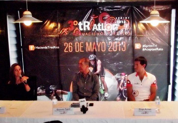 En la conferencia de prensa informaron que el evento se realizará el próximo 26 de mayo. (Raúl Caballero/SIPSE)
