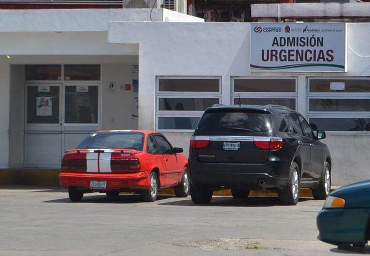 Médicos del Hospital General intentan salvarle la vida a José Luis N, de 72 años. (Redacción/SIPSE)