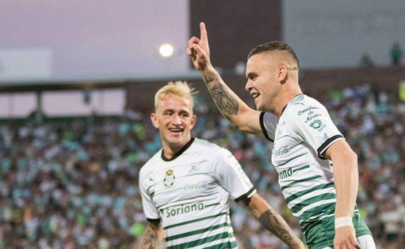 En gran parte del partido no se notó la ausencia del goleador del torneo. (excelsior.com)