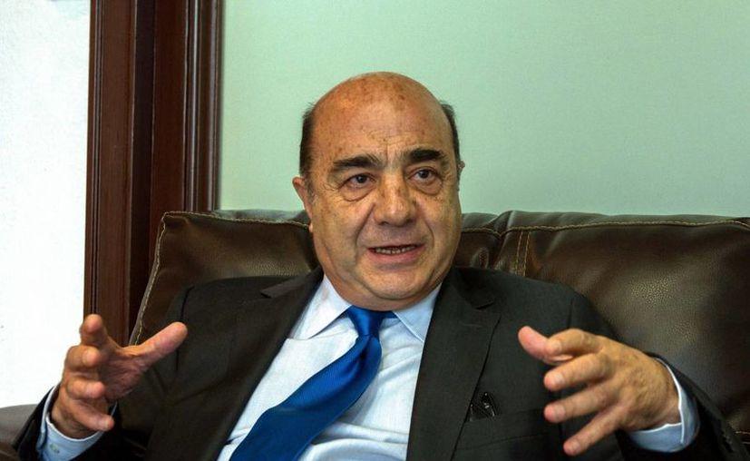 Jesús Murillo Karam, procurador general de la República, durante la entrevista. (Notimex)