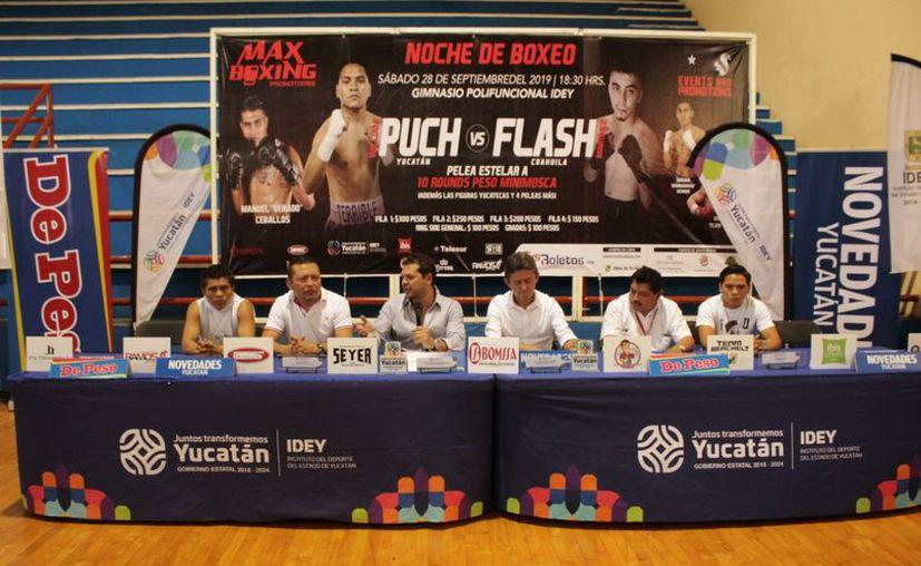 En rueda de prensa se ofrecieron detalles de la función de boxeo en la que verán acción varios yucatecos. (Novedades Yucatán)