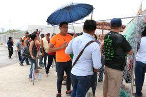 Aficionados abarrotan las taquillas del estadio Kukulcán