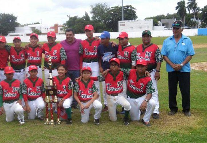 Los chetumaleños aprovecharon jugar en casa para superar a los de Calderitas. (Miguel Maldonado/SIPSE)