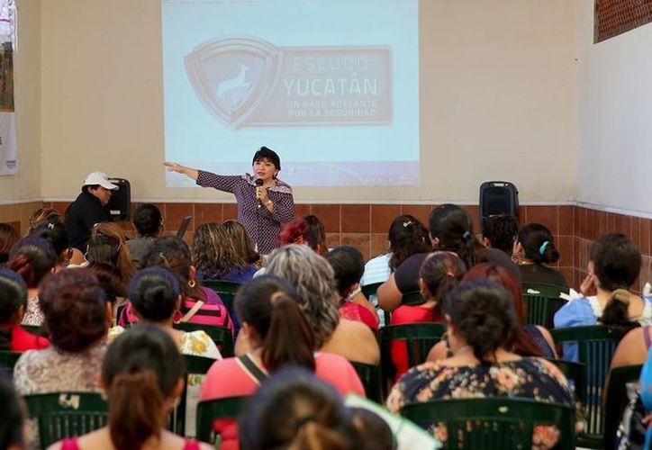 'Escudo Yucatán no sólo es una estrategia de Gobierno, debe ser una estrategia de todos', declaró la subsecretaria de Prevención y Seguridad Pública, Martha Góngora Sánchez, en el marco de una reunión mensual. (Foto cortesía del Gobierno)