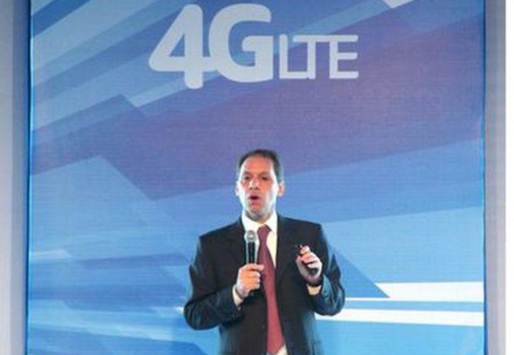 Telcel invertirá 3 mil 950 millones de dólares entre 2012 y 2014 en infraestructura de telefonía móvil, dijo Daniel Hajj, director general de América Móvil y Telcel. (Agencia Reforma)