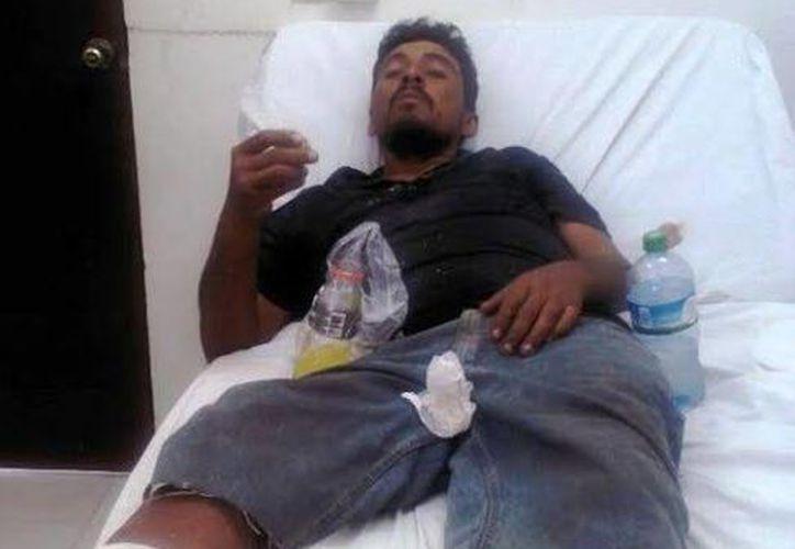 Baltasar Avila González fue trasladado al Centro de Salud de Celestún, donde recibió atención porque estaba deshidratado. (SIPSE)