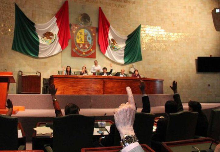El Congreso suprimió la facultad de los padres para autorizar la unión matrimonial. (congresooaxaca.gob.mx)