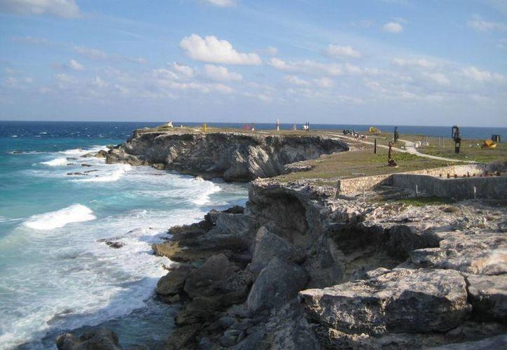De 10 lugares, Isla Mujeres se colocó en el sexto, de las más populares del mundo. (Renán Moguel/SIPSE)
