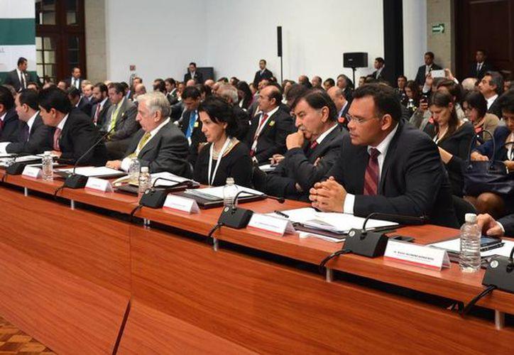 Los gobernadores de todos los estados y el presidente Enrique Peña se reunieron en la 37 sesión ordinaria del Consejo Nacional de Seguridad Pública. (SIPSE)