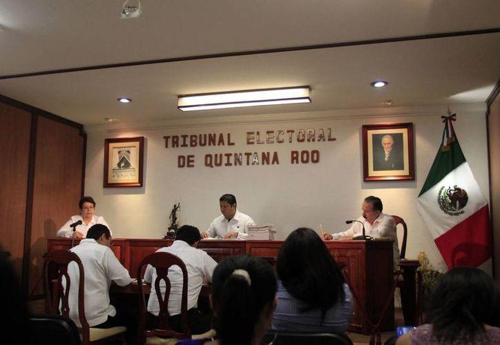 El magistrado presidente del Teqroo dio a conocer el día de ayer el avance que registran las impugnaciones. (Harold Alcocer/SIPSE)