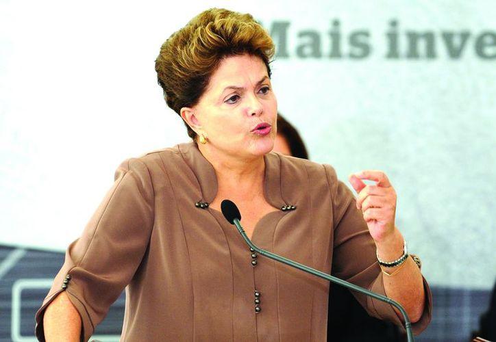 La Presidenta busca elevar al 10% del PIB brasileño la inversión en educación. (Agencias)