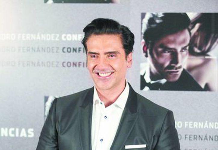 El álbum Confidencias, de Alejandro Fernández, ocupa el primer lugar en el top ten de ventas de discos en español, pero ninguno de los temas figura en los 10 primeros lugares de las descargas digitales. (Milenio)