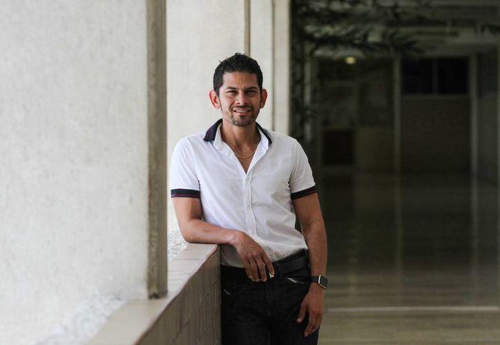 René González Puerto nació con sordera, pero desde pequeño mostró carácter y confianza en sí mismo, lo que le ayudó a lograr sus metas. (José Acosta/Milenio Novedades)