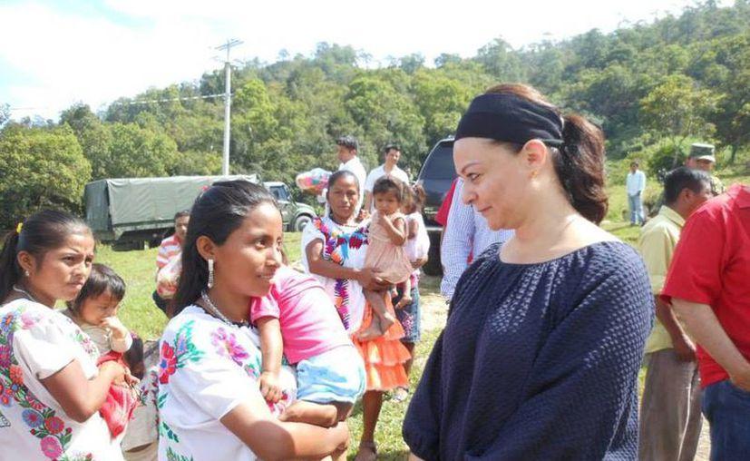 Nuvia Mayorga, directora de la Comisión Nacional para el Desarrollo de los Pueblos Indígenas, en San Luis Acatlán, Guerrero. (Foto tomada del Facebook)