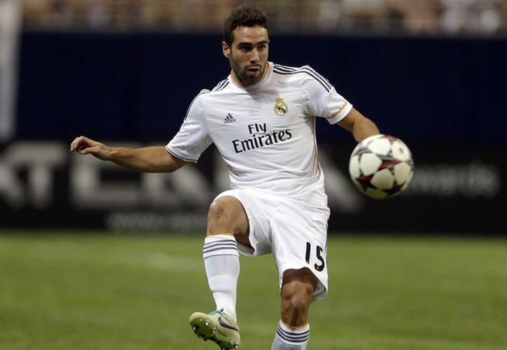 El lateral derecho del Real Madrid Daniel Carvajal entrenó por separado después de permanecer un mes fuera de las canchas. (Contexto/Internet).