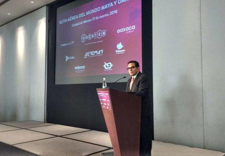 El secretario de Turismo, Saul Ancona, presentó en la Ciudad de México los detalles de la nueva Ruta Aérea Maya. (Candelario Robles/Milenio Novedades)