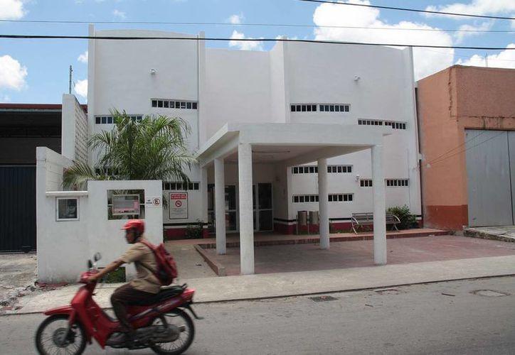 El edificio está en la colonia Maravilla, 65 avenida, entre las calles 23 y 25. (Julián Miranda/SIPSE)