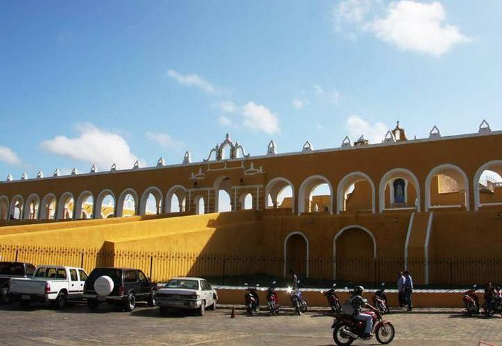 El operativo fue realizado en las inmediaciones del exconvento Franciscano de Izamal. (SIPSE)